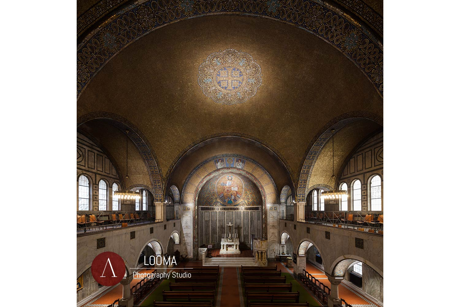 Central nave, apse and main vault lit by the LED lighting devices
