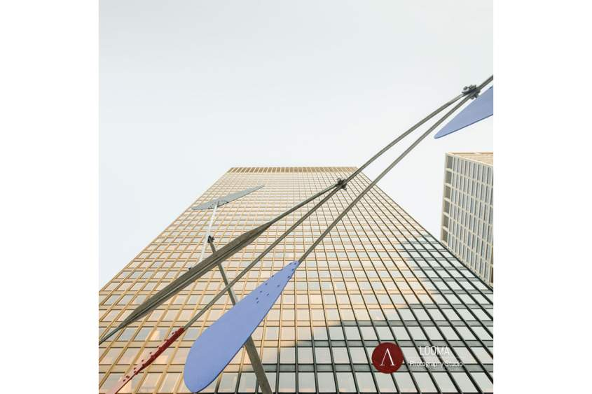Seagram Building and Ordinary ( Alexander Calder )
